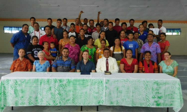 Kennon Kincaid with Youth Participants at the Youth and Market day in Savaii. Photo credit U.S. Department of State.
